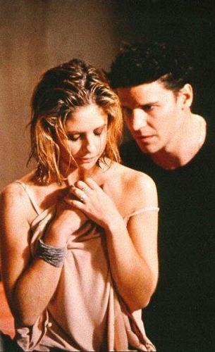 Buffy con Angel, dopo la pioggia
